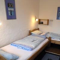 Schlafzimmer_zwei_Einzelbetten